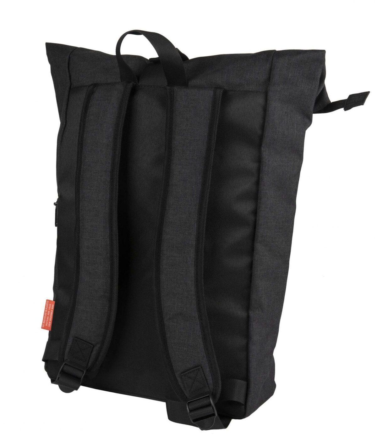 rPET Backpack Roll-top zwart achterzijde - Yipp & Co